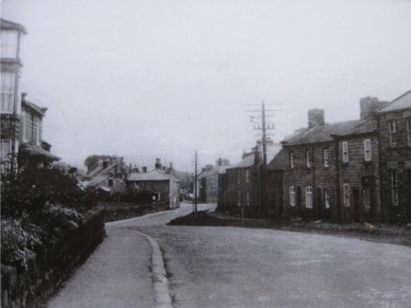 Link to http://archive.hampsthwaite.org.uk/history/images/1000/OldHighStreet1000.jpg