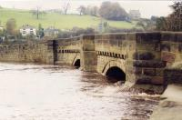http://archive.hampsthwaite.org.uk/history/images/Hampsthwaite%20Flood%202nd%20July%201968/images/1000/BridgeFlood1000b.jpg - click for full size image