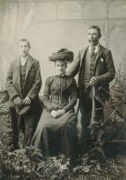 Sarah Anne Busfield (Ne Henson) 1857-1925, William Busfield 1859-1940 and their youngest son Arthur 1889-1972. - click for full size image