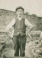 William Busfield 1859-1940. Photo taken in about 1939, in the back garden of his house, which is now Lamb Cottage. - click for full size image