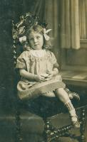 Doroth Vivien Breaks (became Wray on marriage) 1908-2002. Aged about 5years. Spent much of her upbringing in Hampsthwaite and lived with her grandparents Sarah Ann and William Busfield. Residents of what is now Lamb Cottage - click for full size image