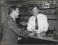Ronnie Burnett at the Joiner's bar with Frank Shuffe - click for full size image